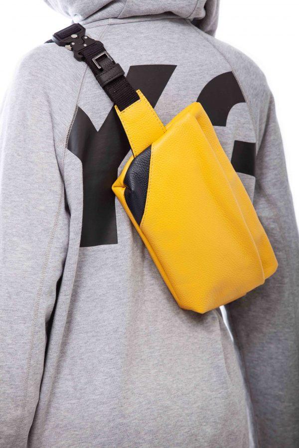 Riñonera de piel amarilla - Cinzia Rossi