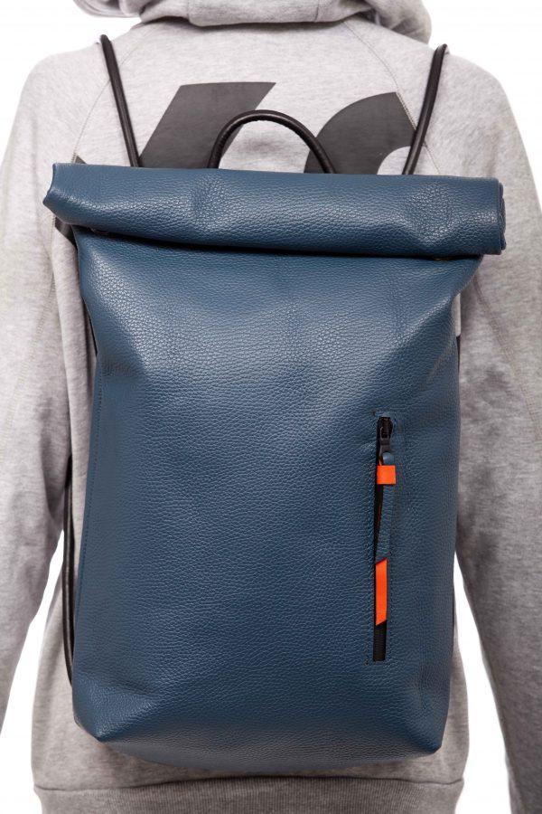 Mochila enrollable en cuero azul vaquero - Cinzia Rossi